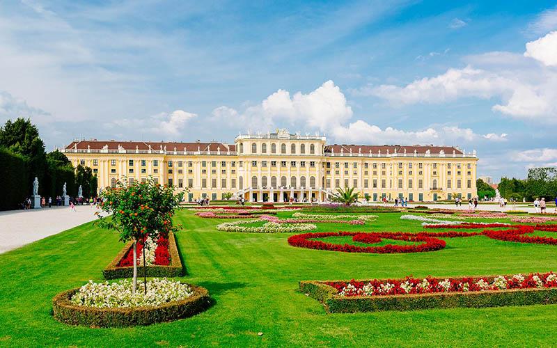 Austria - Vienna - Schοnbrunn Palace 1