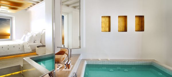 Golden Villa 1 BD with Pool