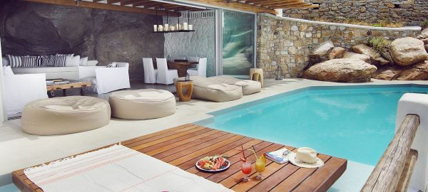 Golden Villa 2 BD with Pool