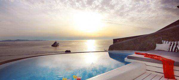 Honeymoon Suite with Pool