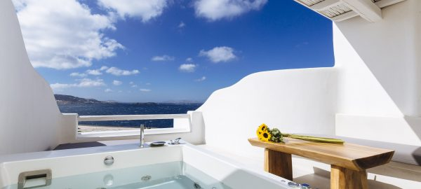 Suite 2BD with Outdoor Jacuzzi